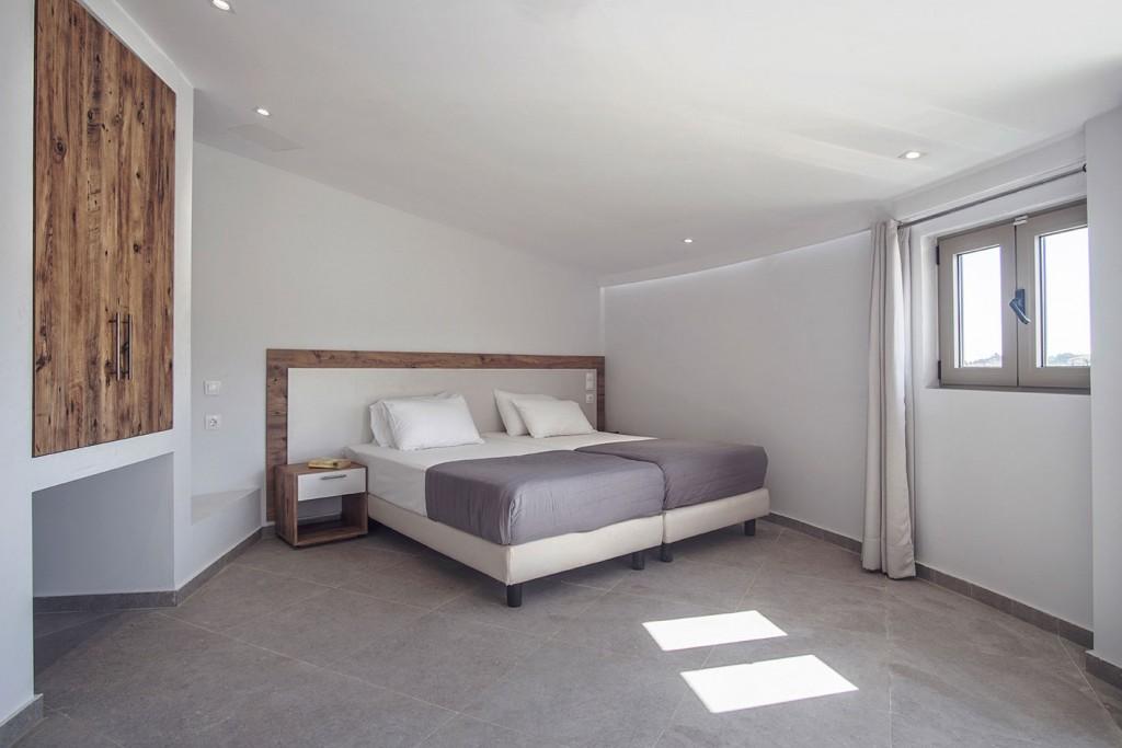 islandkavos superior room 04 1024x683